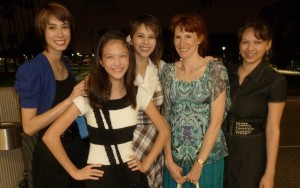Sarah, Elizabeth, Joanna, Jeri, and Victoria after the performance. Click for full size.