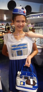 Lizzie with an R2D2 Star Wars outfit. Click photo for full size.
