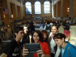 Selfie time in Grand Central Terminal - Jeffrey, Sarah, Joanna, Jeri, Victoria, and Nicole. Click photo for full size.
