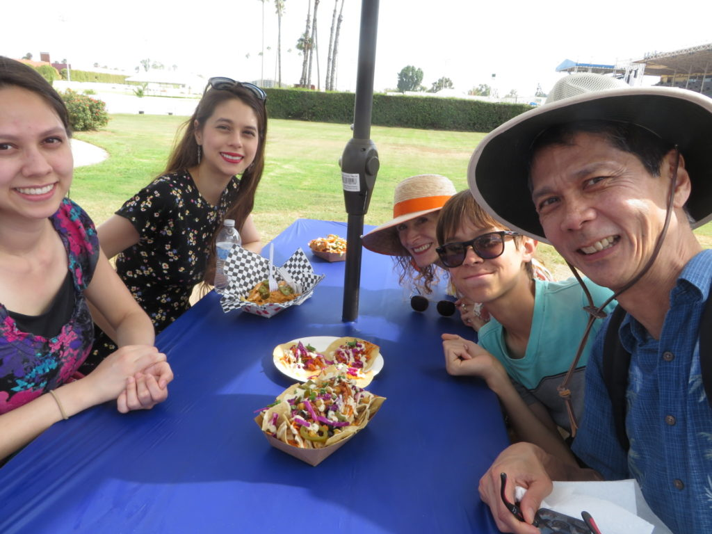 Victoria, Joanna, Jeri, Josiah, and Tim having lunch